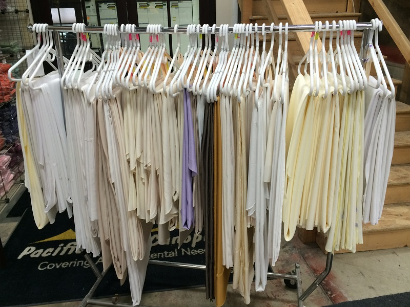 402aa7f4e38a6 Gently Used Linens for Sale › Pacific Party Canopies